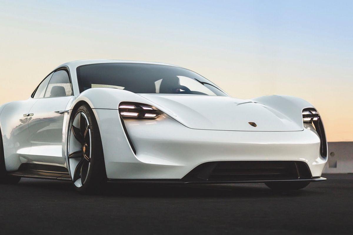 Porsche Taycan , EV Lens
