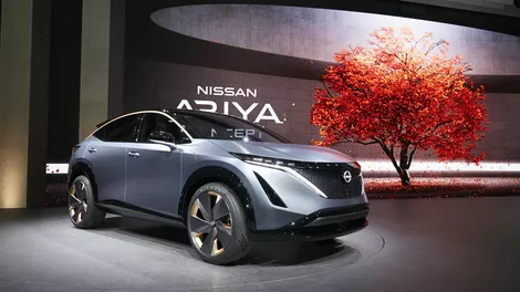 Nissan has unveiled the first of its new electric vehicles as part of a turnaround strategy for the loss-making company.